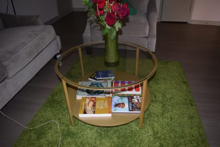 The DIY Ikea Coffee Table Hack You Can Do Easily