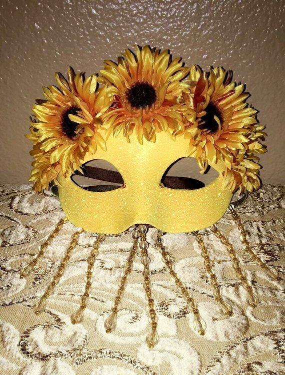 15 Unique Halloween Costume Ideas For Women